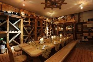 Hotel Fanes: la cantina in stile alpino