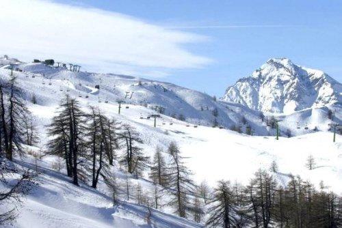 Photo of Guida a Sauze d'oulx in Piemonte: previsioni meteo, recensioni di piste, hotel, tanti rifugi e ristoranti.