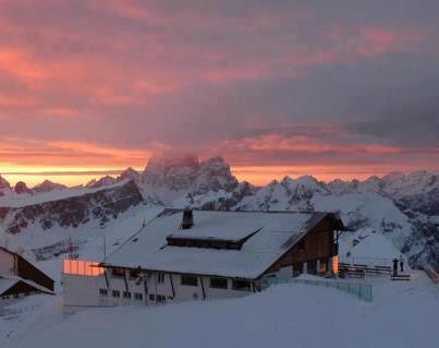 Photo of Recensione del Rifugio Lagazuoi ai 2752 metri del Passo Falzarego vicino a Cortina