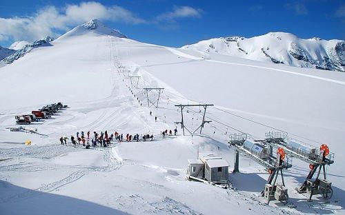 Photo of Guida allo sci estivo al Passo Stelvio sul ghiacciaio del Livrio: date di apertura impianti, prezzi skipass e hotel
