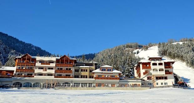 Bella visuale dell'Excelsior Mountain Style Spa Resort