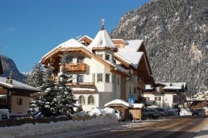 Hotel Rita Canazei in inverno