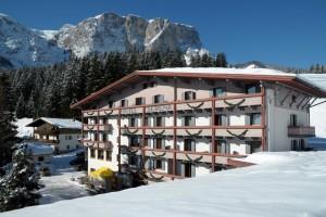 Hotel Serena a Pedraces: una bella immagine sotto la neve