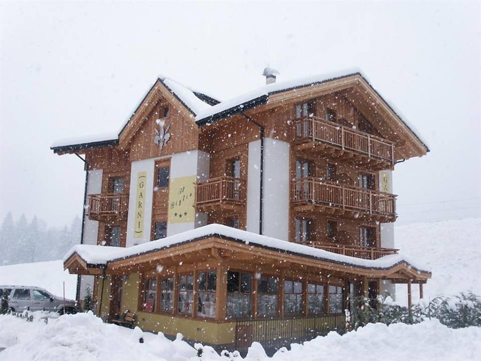 Photo of Garni il Giglio a Commezzadura – Trentino Alto Adige