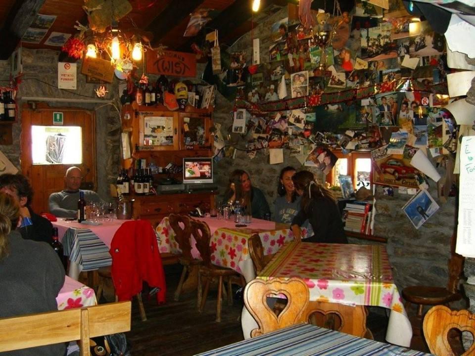 Rifugio maison vieille a courmayeur skimania for Albergo de la maison courmayeur