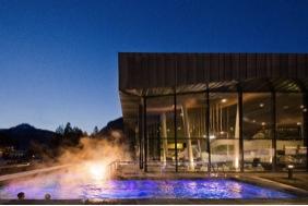 Dolaondes canazei centro acquatico e piscina skimania - Piscina pozza di fassa ...