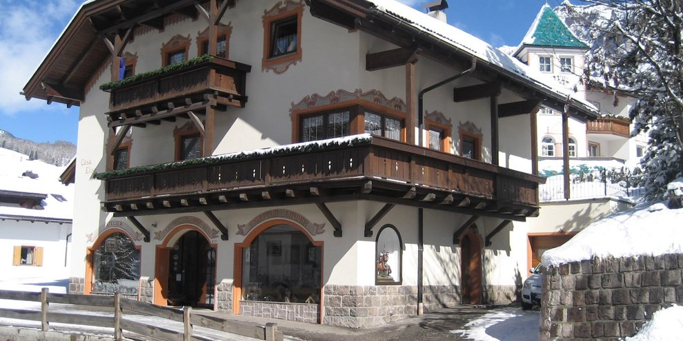 Villa elise appartamenti a selva di val gardena skimania for Selva di val gardena appartamenti