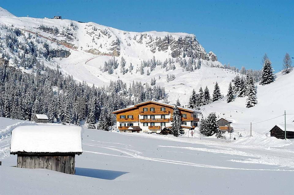 Photo of Hotel Monte Cherz a Passo Campolongo, Arabba: la nostra recensione