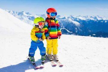 Meglio affittare o comprare l'attrezzatura da sci per bambini